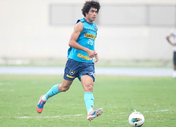 Bruno Mendes training