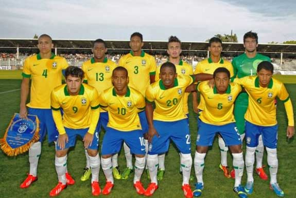Doria (far left), and Yuri Mamute (no. 20, centre) scooped individual awards as Brazil won the 2013 Toulon Tournament.
