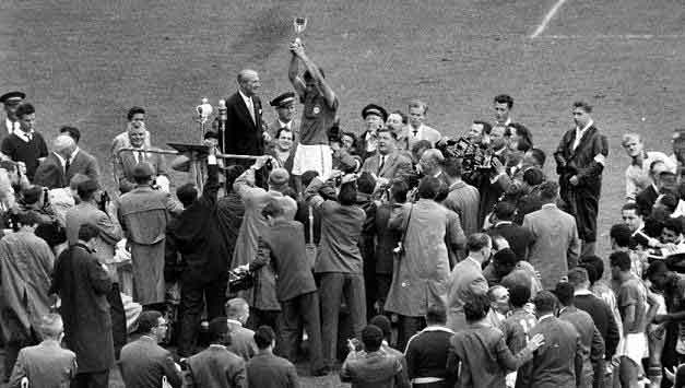 Bellini lifts the World Cup for Brazil 1958
