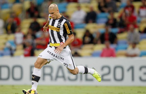 Botafogo defnder Dória has been included in Brazil's 2014 Toulon Tournament squad.