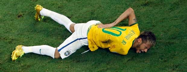 neymar-injured-brazil-v-colombia