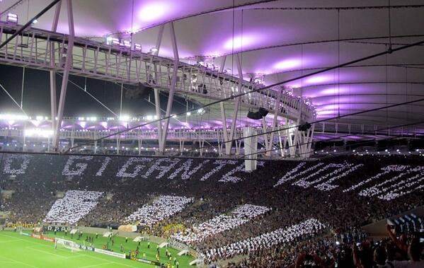 """Botafogo fans in the Maracaná. """"The giant returned"""""""