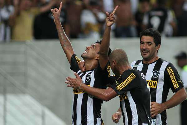 Wallyson's hat-trick sends Botafogo through to the Copa Libertadores group stage.
